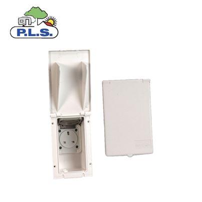 Pennine Rectangular Flush Fitting Outlet